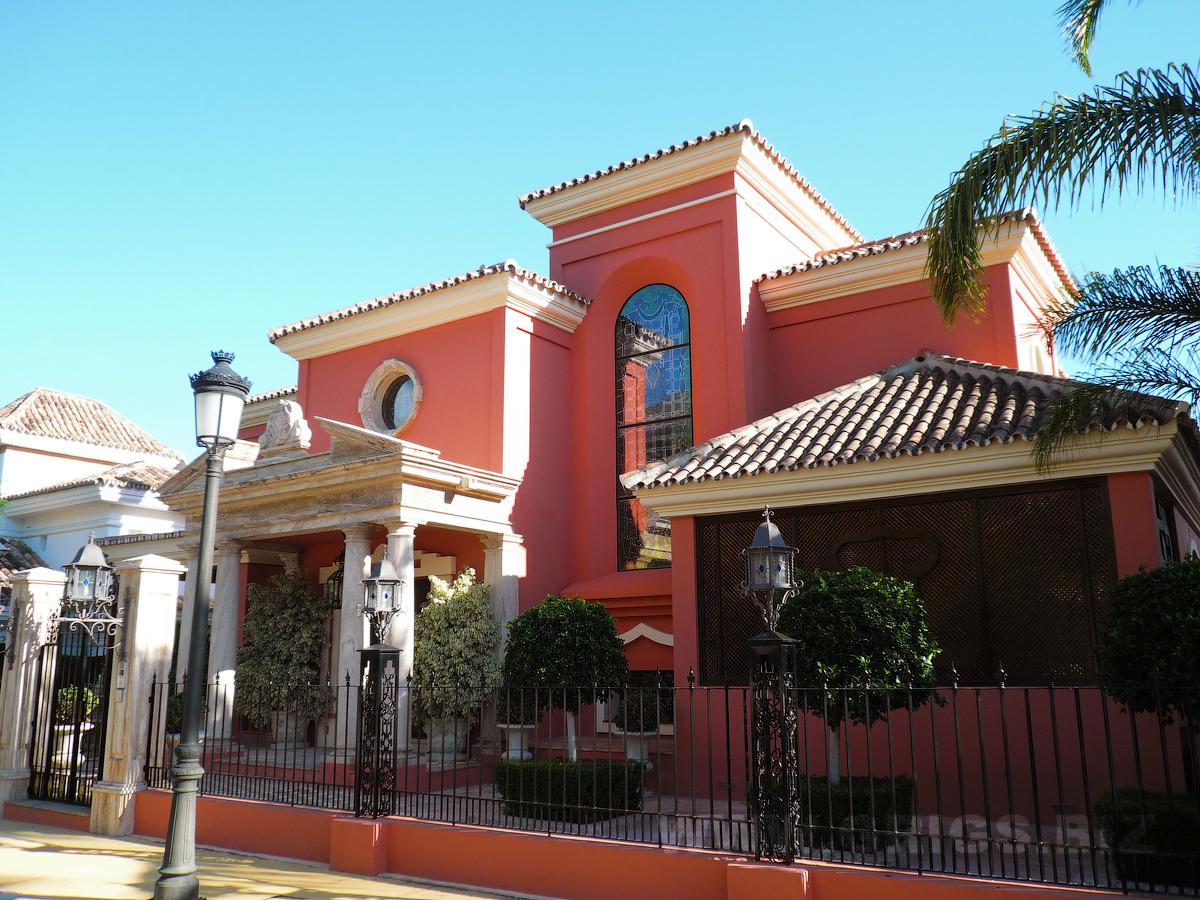 Купить виллу недорого в испании